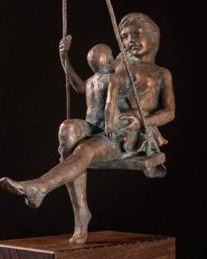 maternita-sull-altalena-leonardo-lucchi